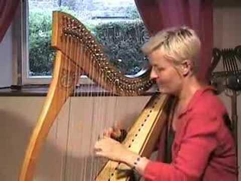 Corrina Hewat Scottish Harp video